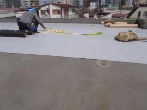 品川区 集合住宅 ウレタン防水 通気緩衝シート貼り写真