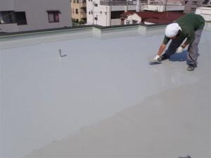 品川区 集合住宅 ウレタン防水 平場 ウレタン2層目写真