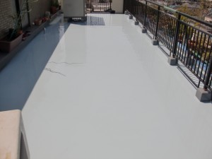 江戸川区西小岩 バルコニー防水 ウレタン防水2層目写真