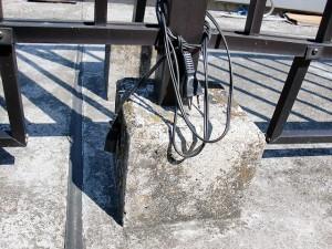 江戸川区西小岩 マンションルーフバルコニー手摺り架台施工前02写真