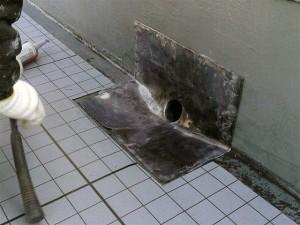 目黒区大岡山屋上防水改修用ドレン設置1