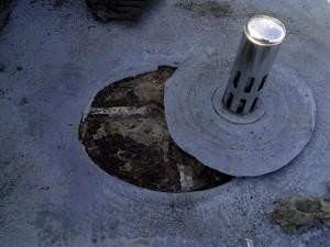 目黒区大岡山屋上防水既存脱気筒撤去写真
