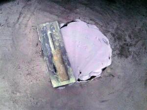 目黒区大岡山屋上防水脱気筒撤去後下地調整写真