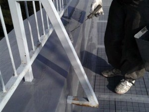 目黒区大岡山屋上防水立上りウレタン防水施工中2写真