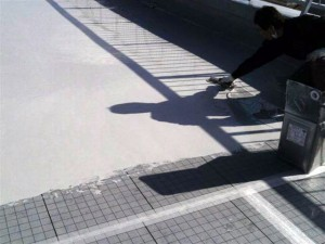 目黒区大岡山屋上防水平場ウレタン防水施工中2写真