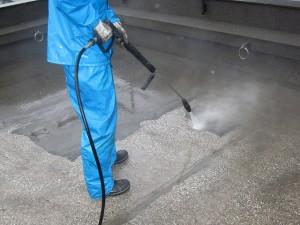 渋谷区オフィスビル防水工事 下地清掃・高圧洗浄02写真
