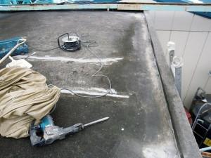 川崎市高津区 工場 屋上防水 下地のコンクリートの浮き箇所撤去3写真