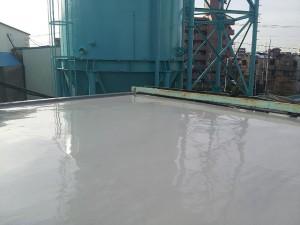 川崎市高津区 工場 屋上防水 平場ウレタン防水2層目完了写真