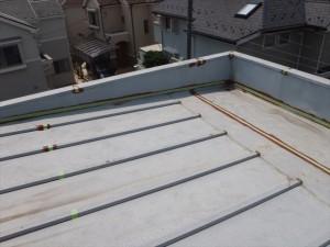 世田谷区喜多見住宅屋根防水 発錆箇所に錆止め塗装写真