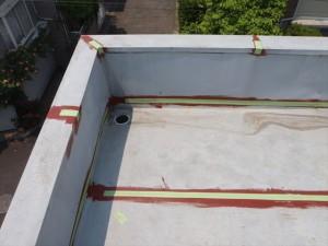世田谷区喜多見住宅屋根防水 ジョイント部テープ処理写真