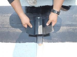 世田谷区喜多見住宅屋根防水 非加硫ゴムシート張り04写真