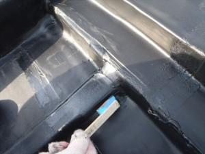 世田谷区喜多見住宅屋根防水 シート端末をシーリング01写真