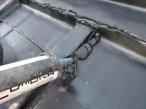 世田谷区喜多見住宅屋根防水 シート端末をシーリング02写真