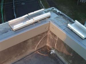 狛江市塩ビシート防水積層鋼板取付け完了写真