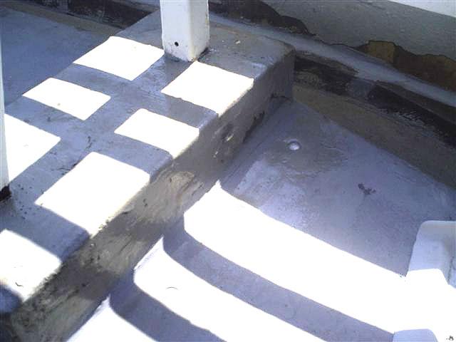 町田市 個人住宅 バルコニーFRP防水 浮きシートアンカー固定2写真