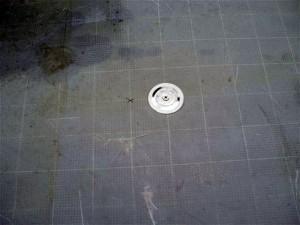 目黒区分譲マンション屋上防水 断熱材固定ディスク取付け2写真