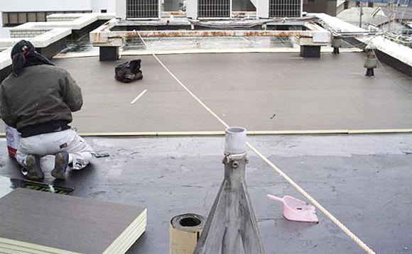 アスファルトシート防水 断熱材敷込み作業