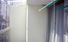 外壁塗装:中塗り・上塗り